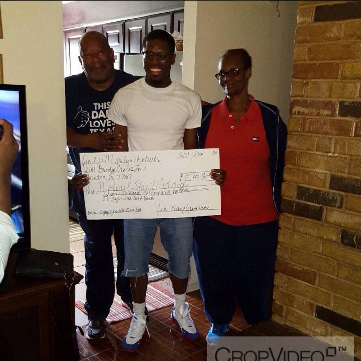 College Student Eats Frozen Pizza to Pay off Grandparents' Mortgage