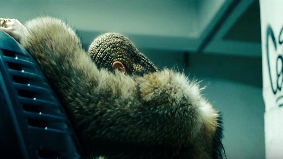 bell hooks Pens Essay on Beyoncé and 'Lemonade'