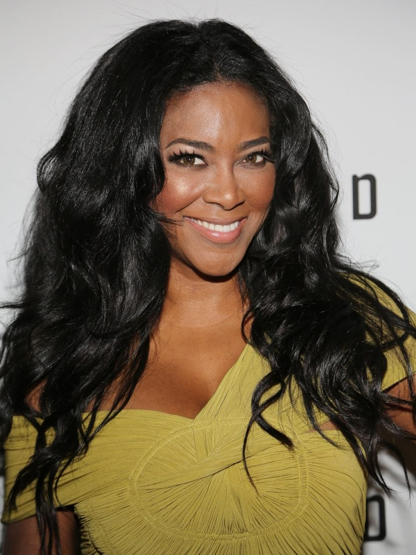 Kenya Moore Silences Naysayers With Video That Proves Her Hair is Real