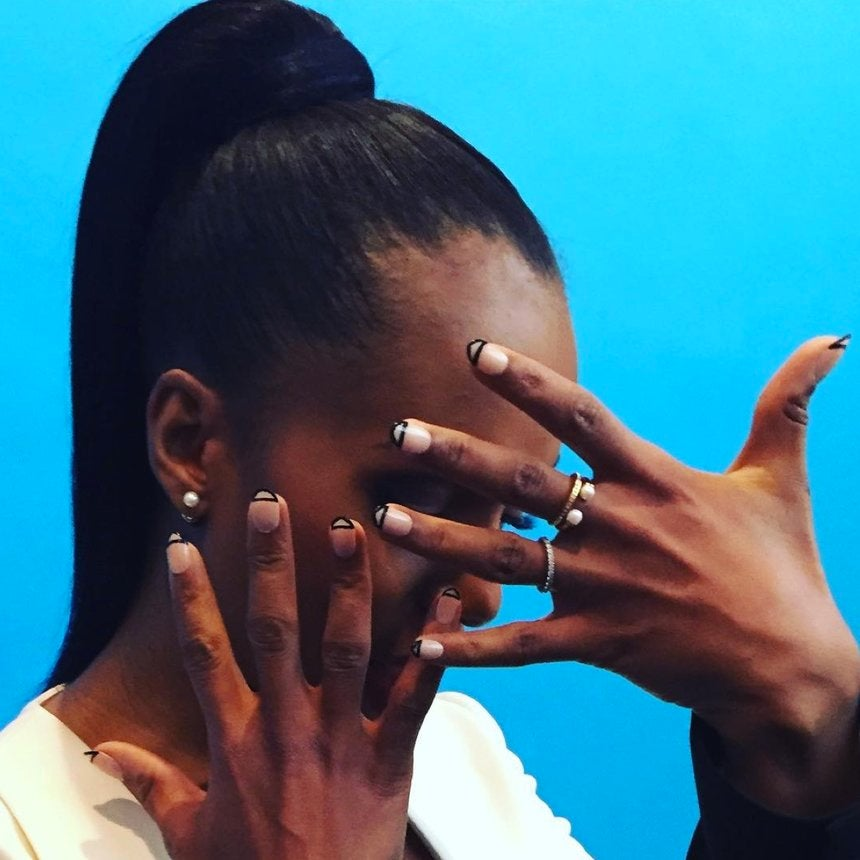 Did You See Kerry Washington's Sleek Pony and Graphic Nails?