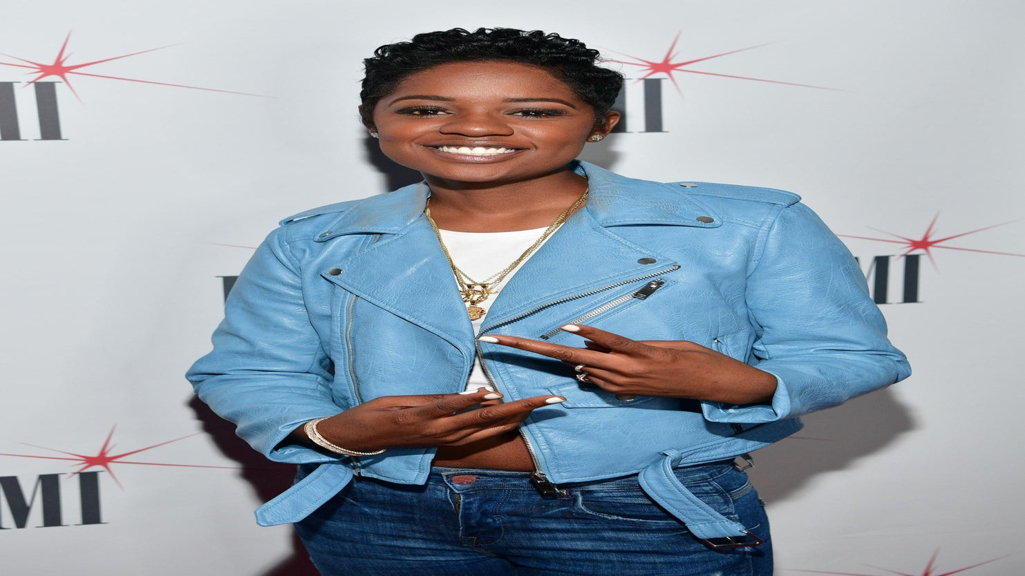 You'll Never Guess Who Styles Freda Gatz's Hair