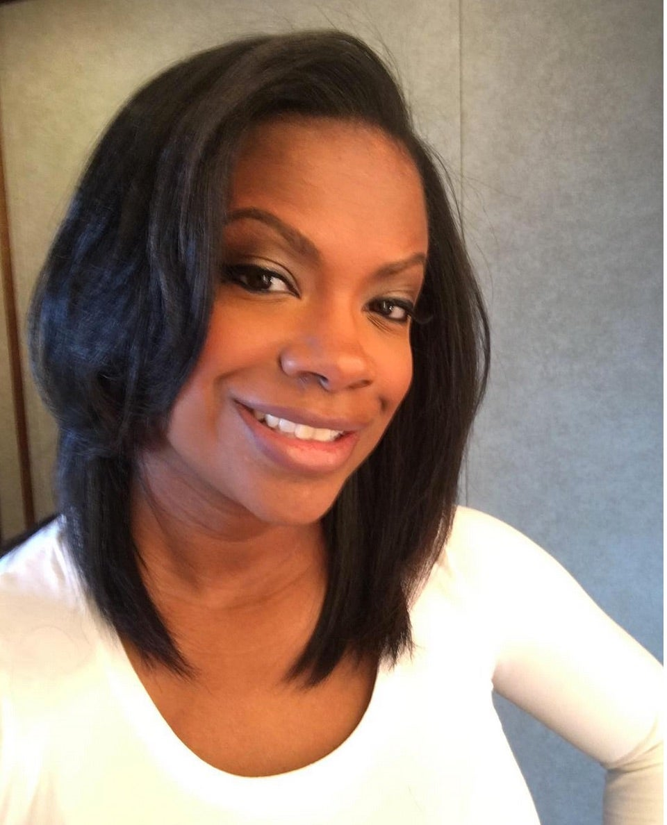Kandi Burruss Takes Out Weave Hubby Doesnt Want It Back In Essence