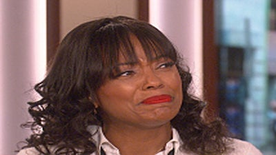 Aisha Tyler Breaks Down in Tears Discussing Divorce on 'The Talk'