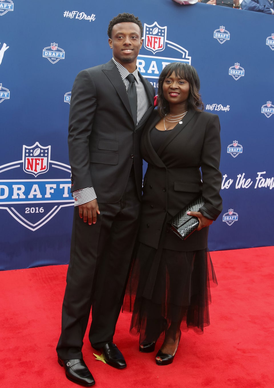 Eli Apple's Mom Knows What Goes Down In The DM