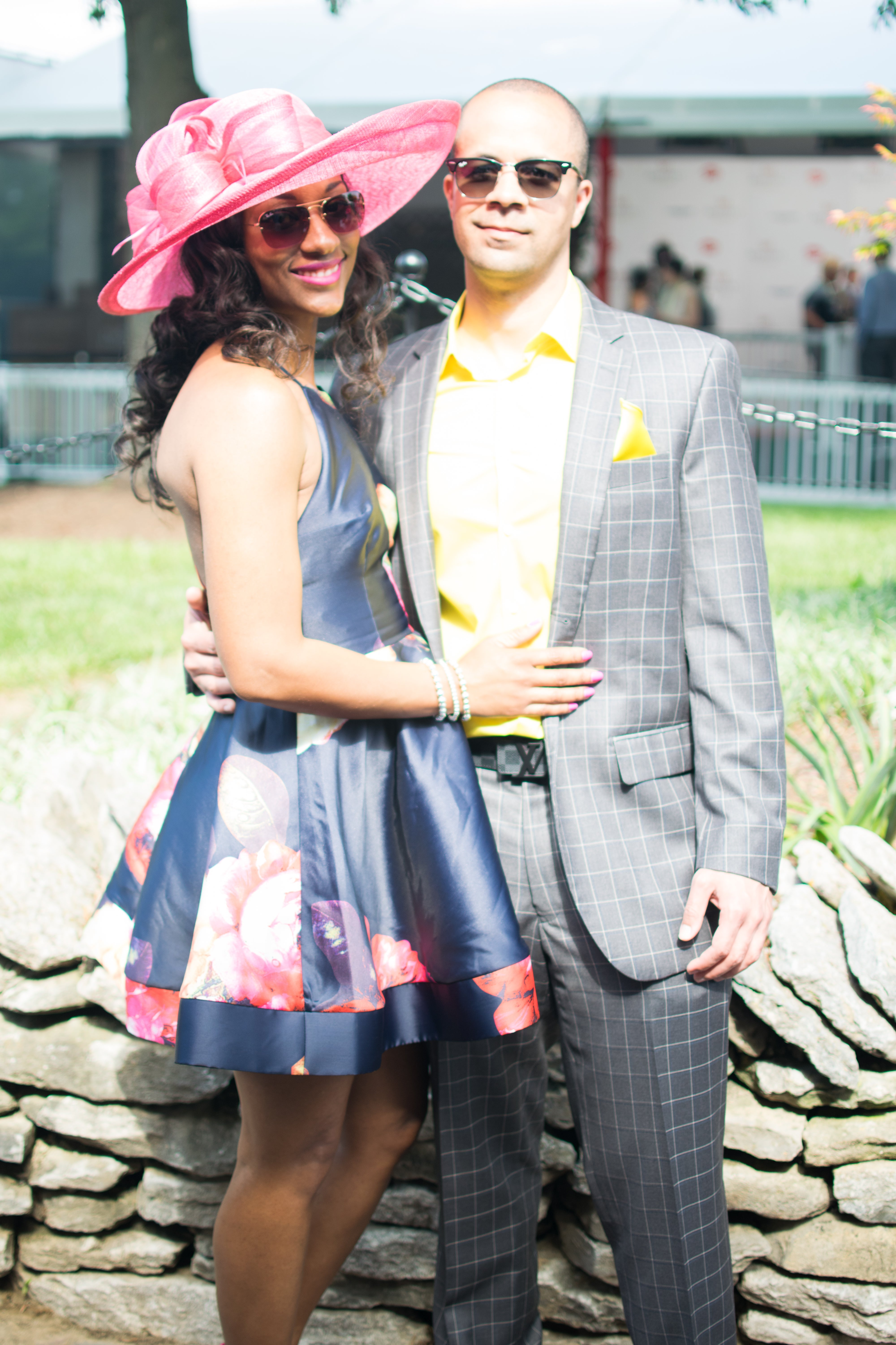 Street Style  All The Showstopping Kentucky Derby Hats   Dresses ... a97392f58b96