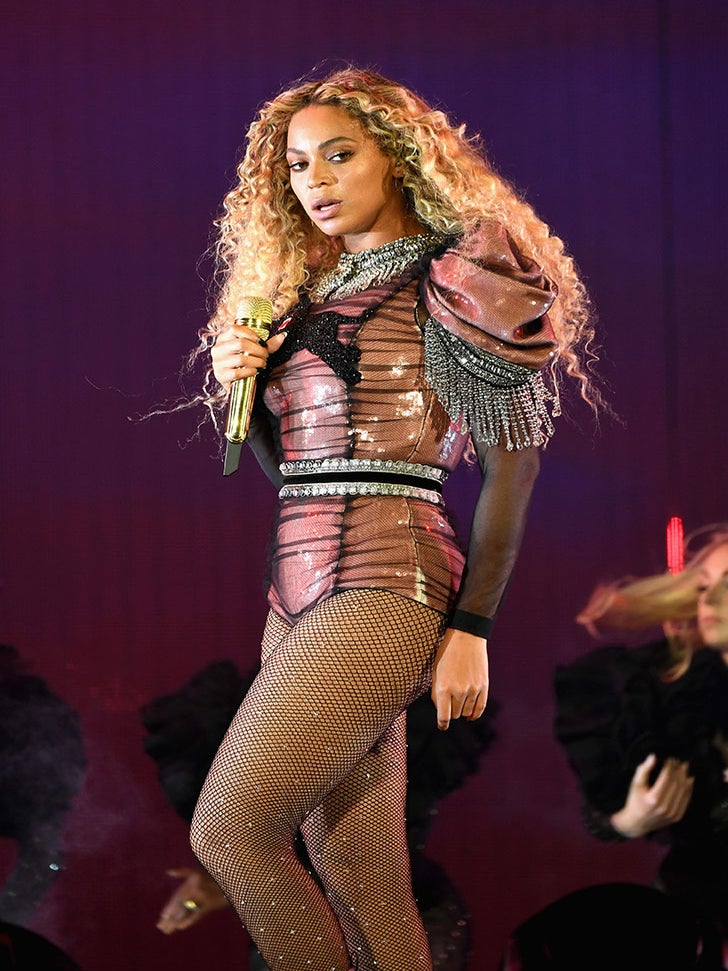Here's The Hilarious 'Lemonade' Reaction Video Beyoncé Played On Her Tour
