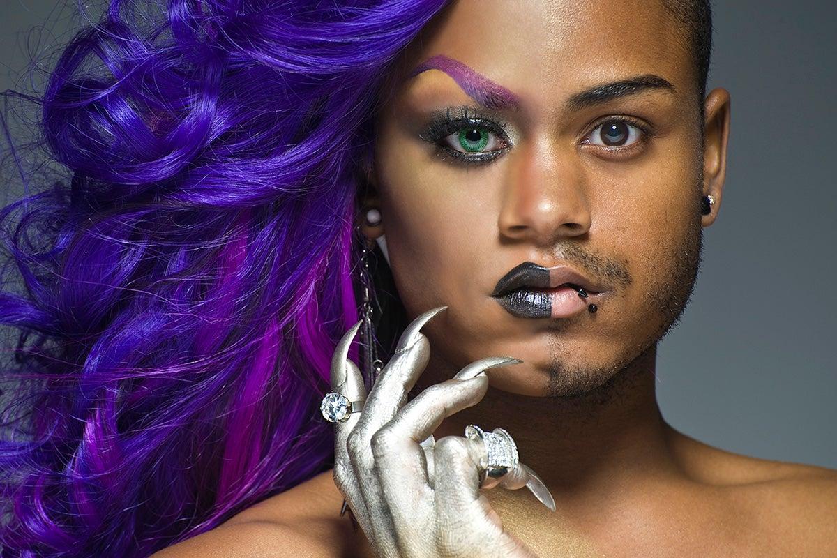 мужчины трансвеститы фото ваше внимание