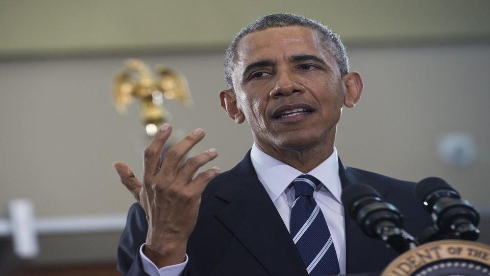 President Obama Drinks Water in Flint