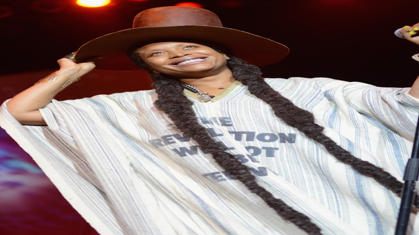 Erykah Badu and Her Kids Sing Their Hearts Out in the Car
