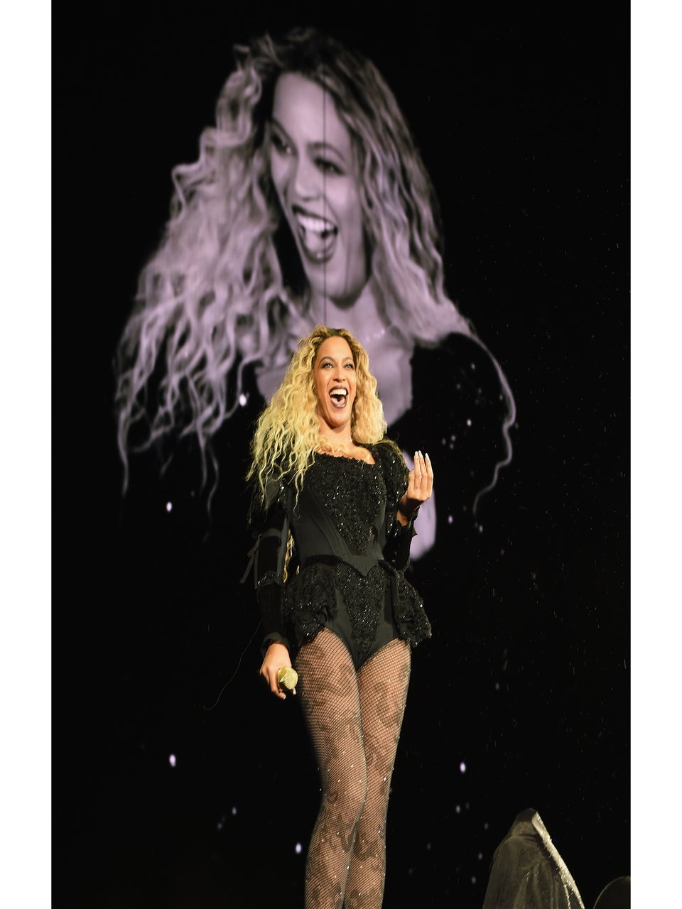 Beyoncé Acknowledges Two Concertgoers Who Rocked Afros at Seattle Show