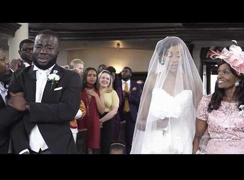 One Groom Had the Sweetest Reaction to His Bride Walking Down the Aisle