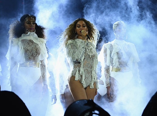 Beyonce Performs Touching Tribute Rendition of 'Halo' for Orlando Victims