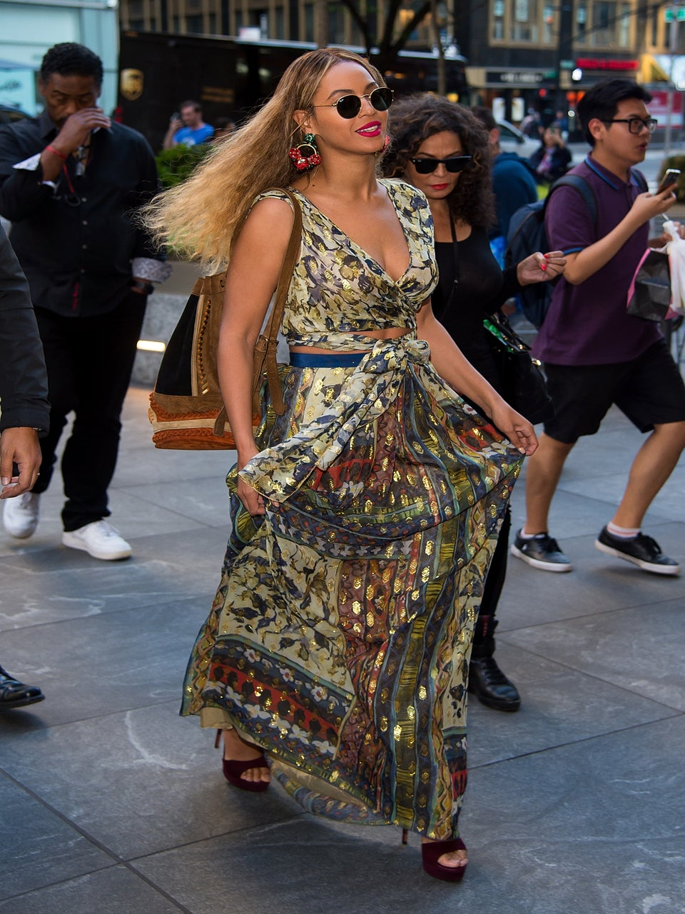 Beyonce Rocks the Perfect Summer in the City Look