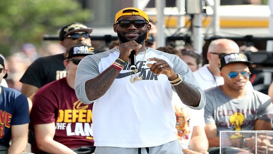 LeBron James Orders 16 Toppings on His Pizza Because HeCan