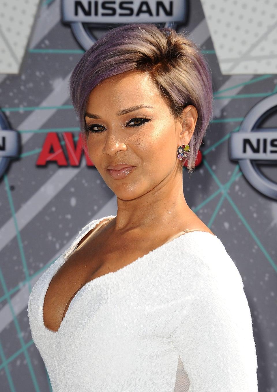 LisaRaye Rocks Short Lavender Hairstyle At the 2016 BET Awards