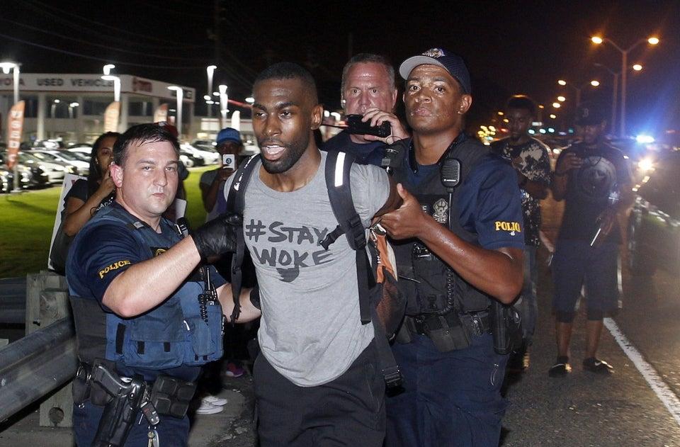 #FreeDeray: Social Media Erupts Over News of Activist DeRay McKesson's Arrest in Baton Rouge