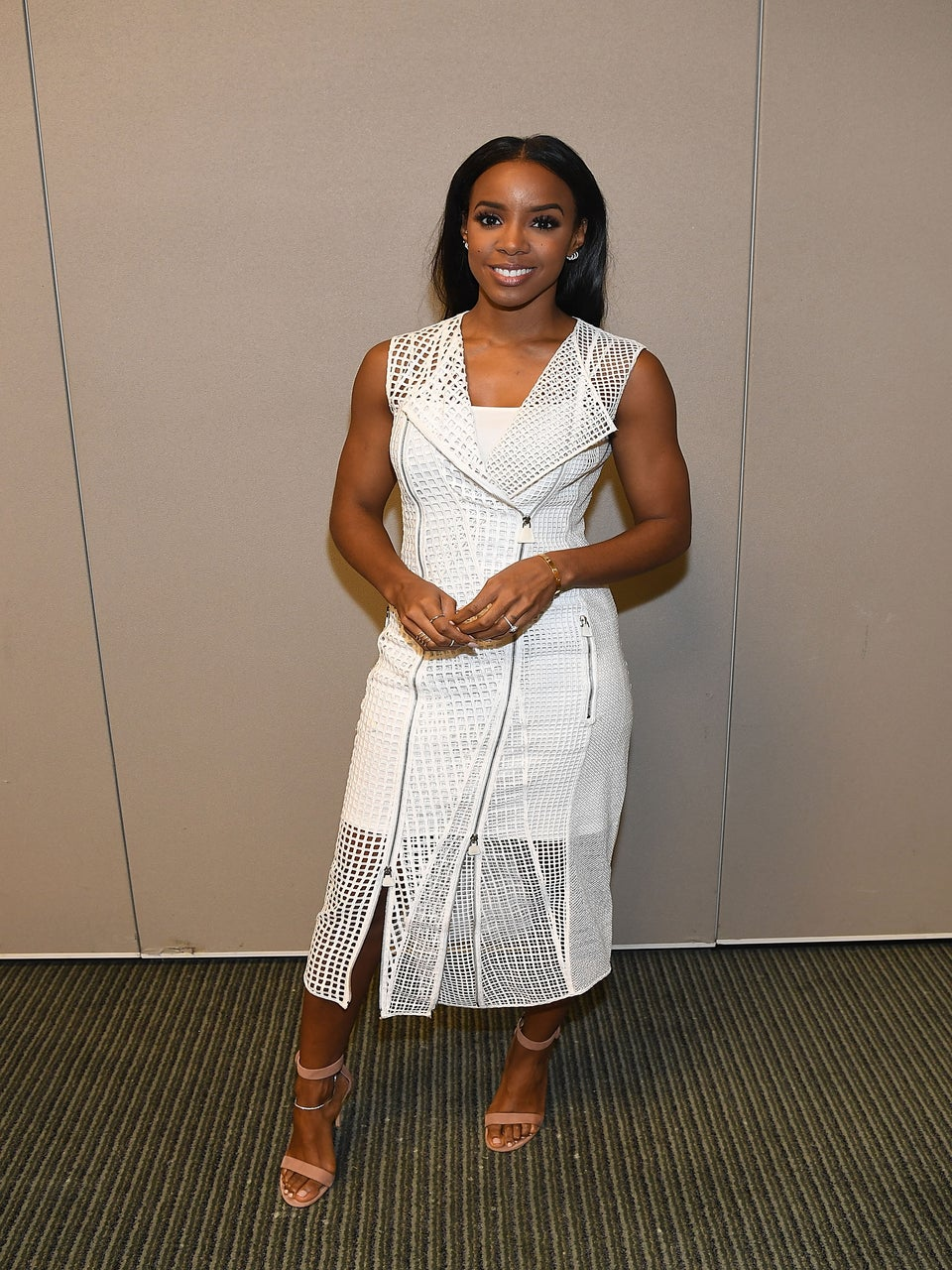 Look of the Day: Get Into Kelly Rowland's Super Chic Embroidered Dress