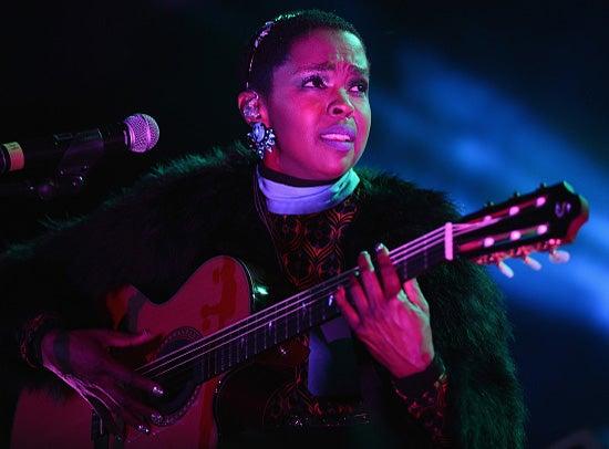 Lauryn Hill Addresses Looming Tax Problem