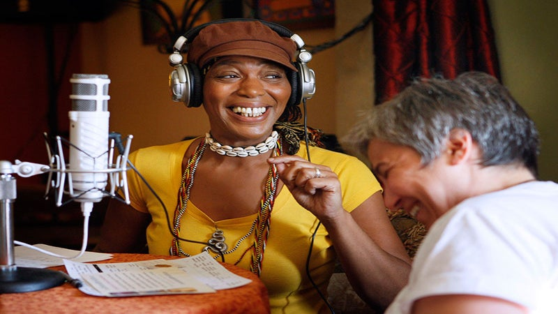 Popular 90s Psychic Miss Cleo Dies At Age 53