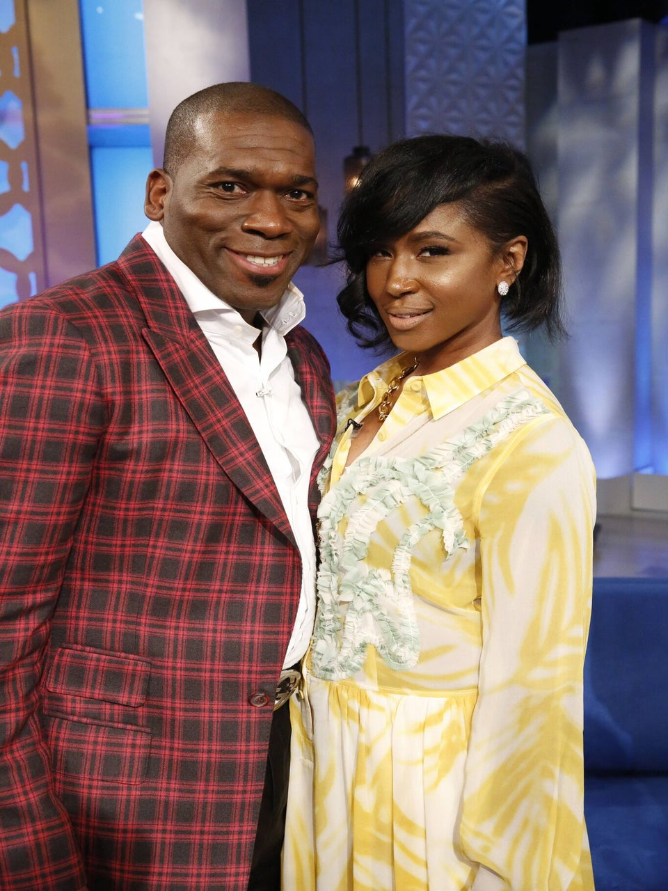 Pastor Jamal Bryant Says He's Dating Tweet, Introduces Her As  His 'Last Lady'