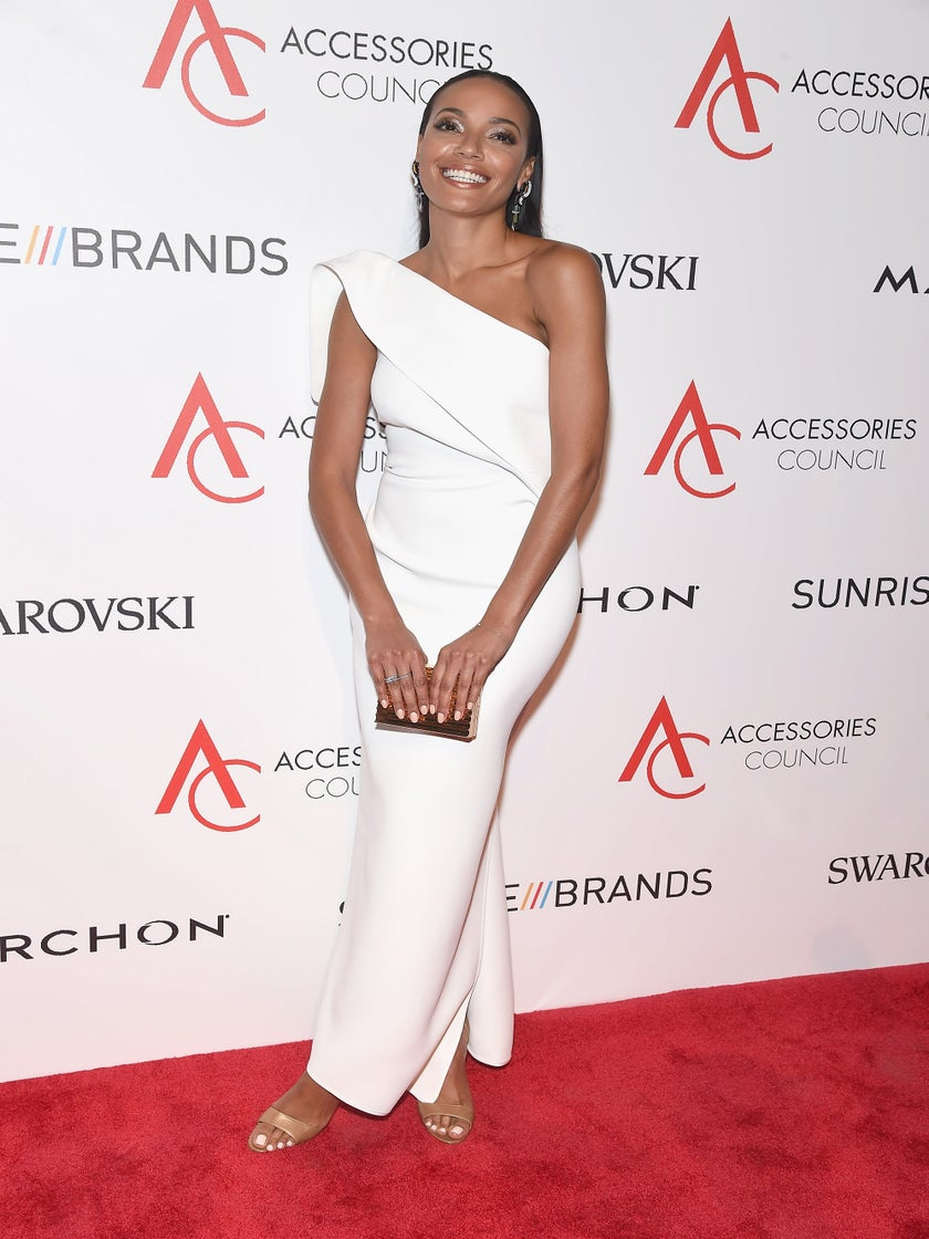 Look of the Day: Selita Ebanks is a Vision in Stunning White Gown