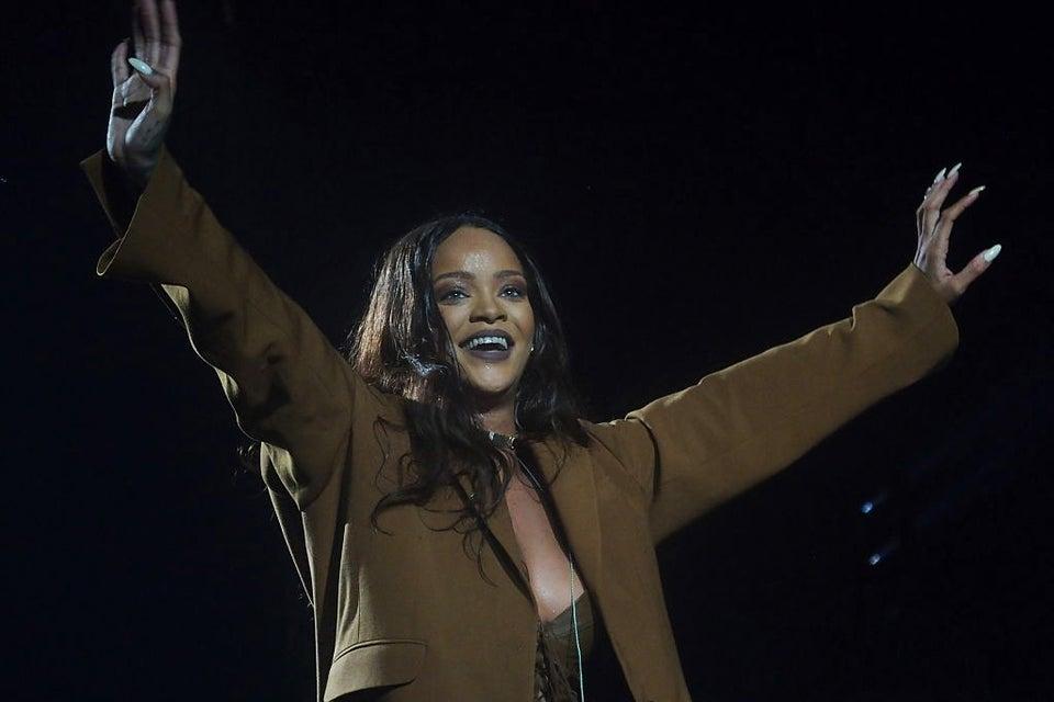 Rihanna To Receive MTV Video Vanguard Award At The VMAs