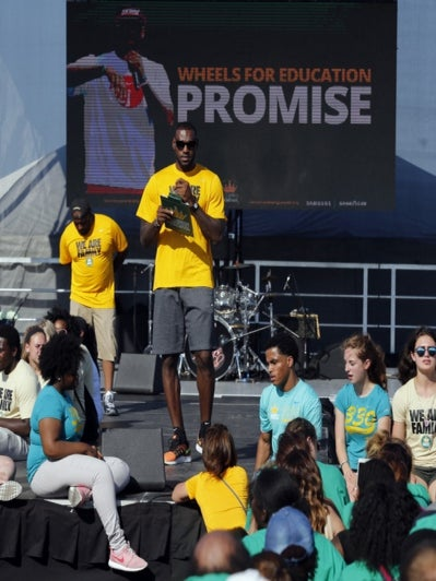 LeBron James Takes 5,000 Ohio Students and Their Families on Amusement Park Field Trip