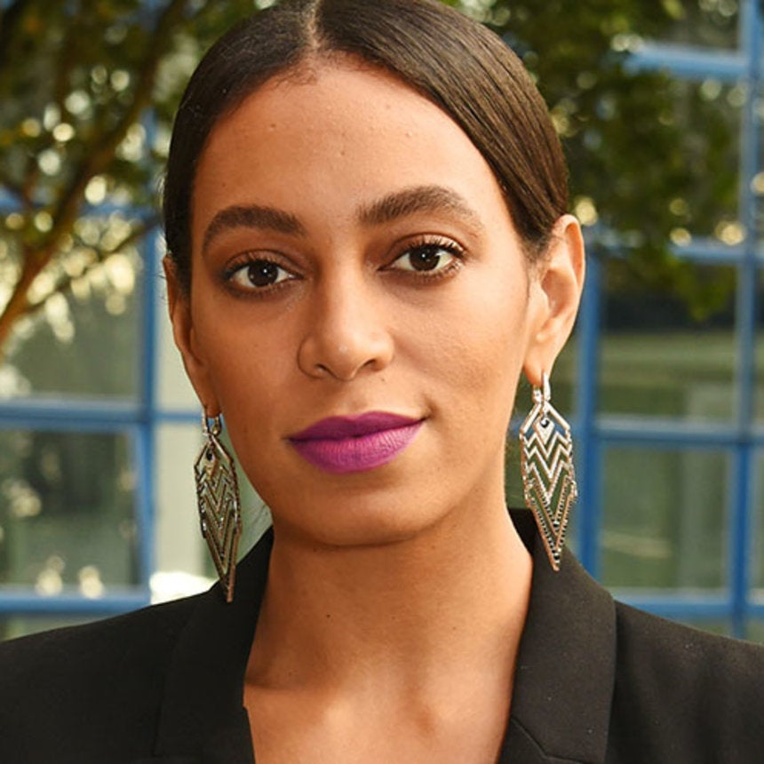 Solange Stuns With a Contour-Clip Bedazzled Hairline
