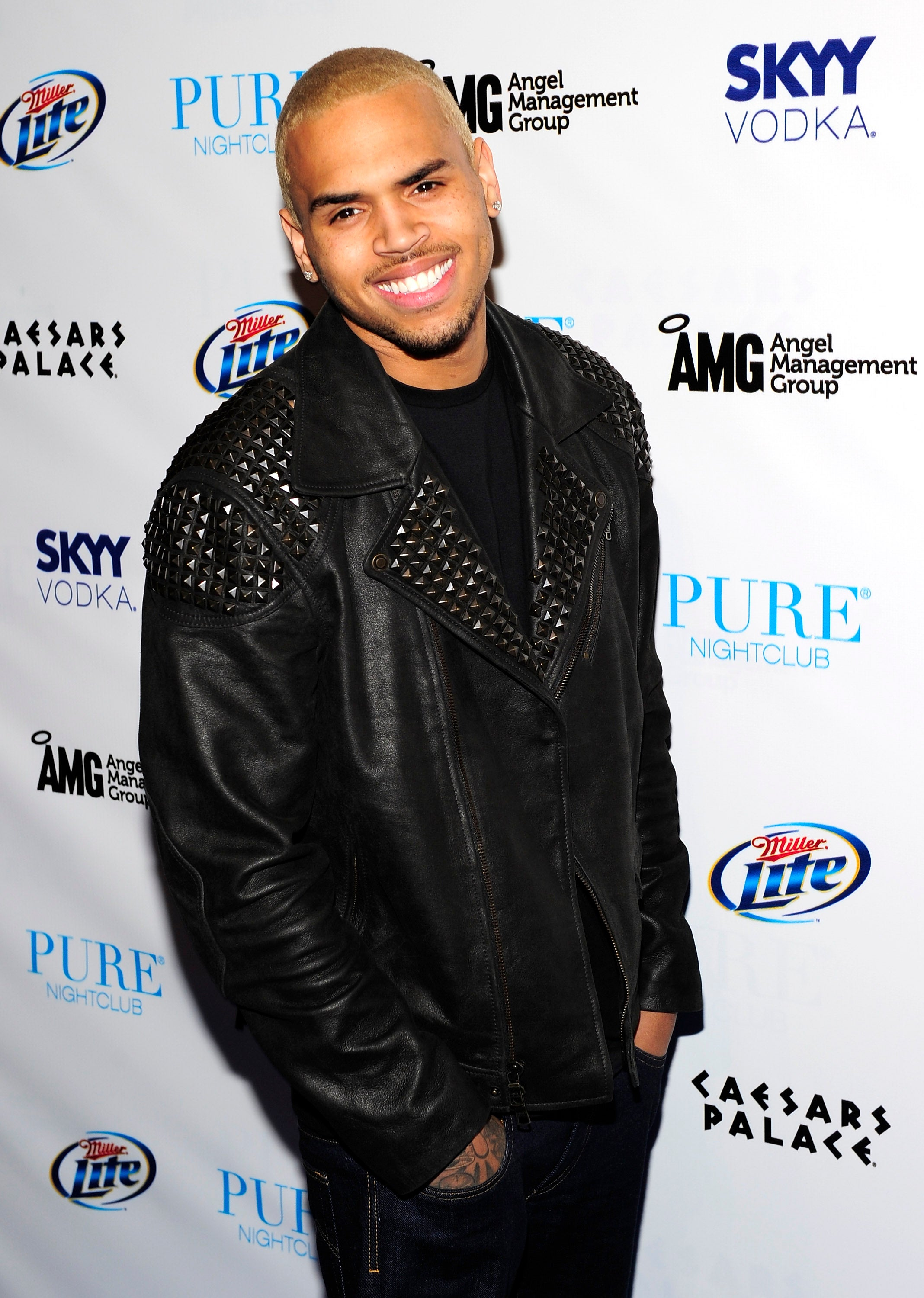 Chris Browns Hairstyles Through The Years Essence
