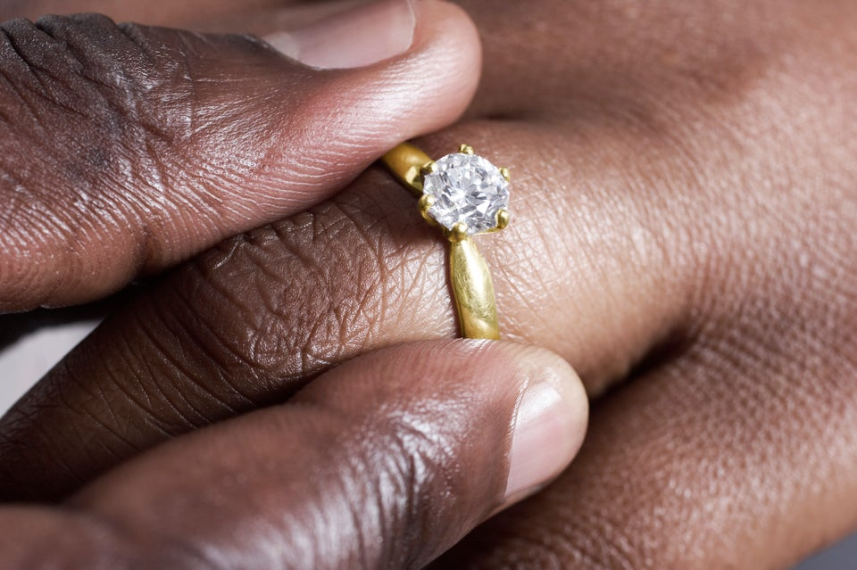 Should You Ditch Your Engagement Ring For a Job Interview? A New Study Says Yes