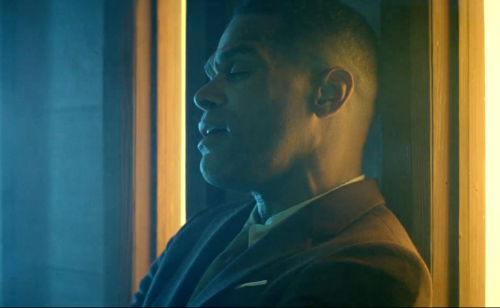 Maxwell Takes The Art Of Seduction To New Heights In Visual For '1990x'
