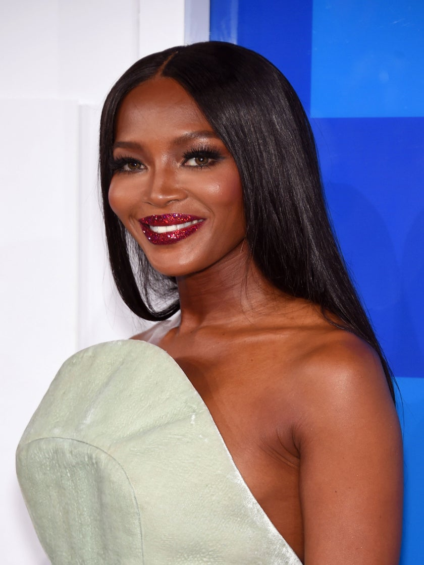 Naomi Campbell's Glitter Lipstick At The VMAs Looks Very Familiar