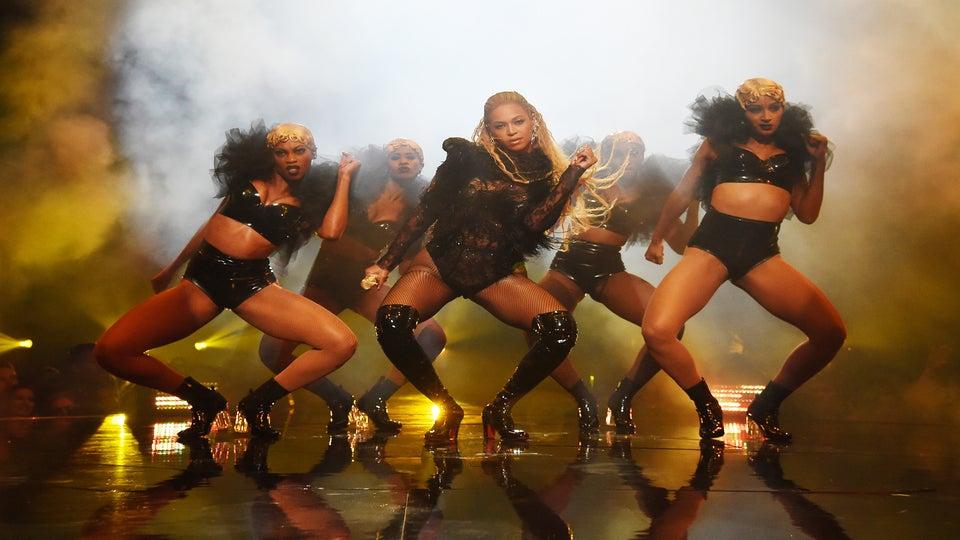Beyoncé's Dancers Gave Us The Best VMAs Hair Moment