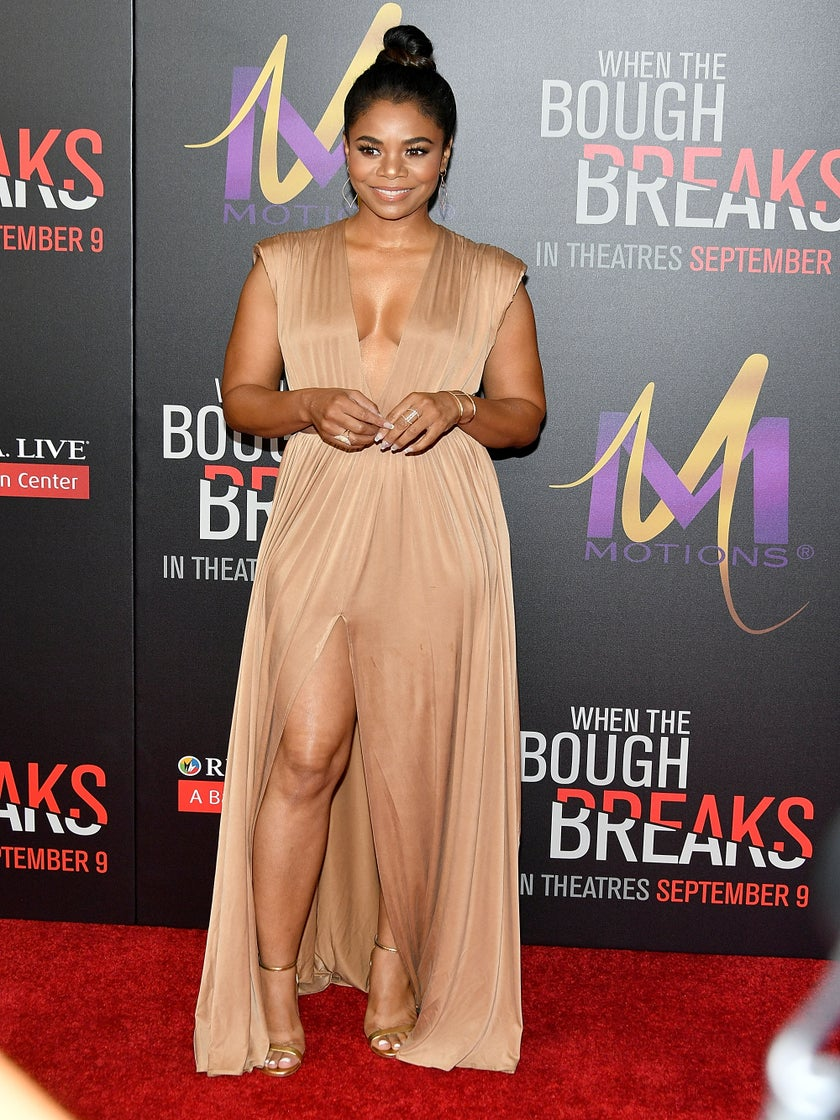 Regina Hall Is Giving Us Grecian Goddess Vibes In Nude Flowing