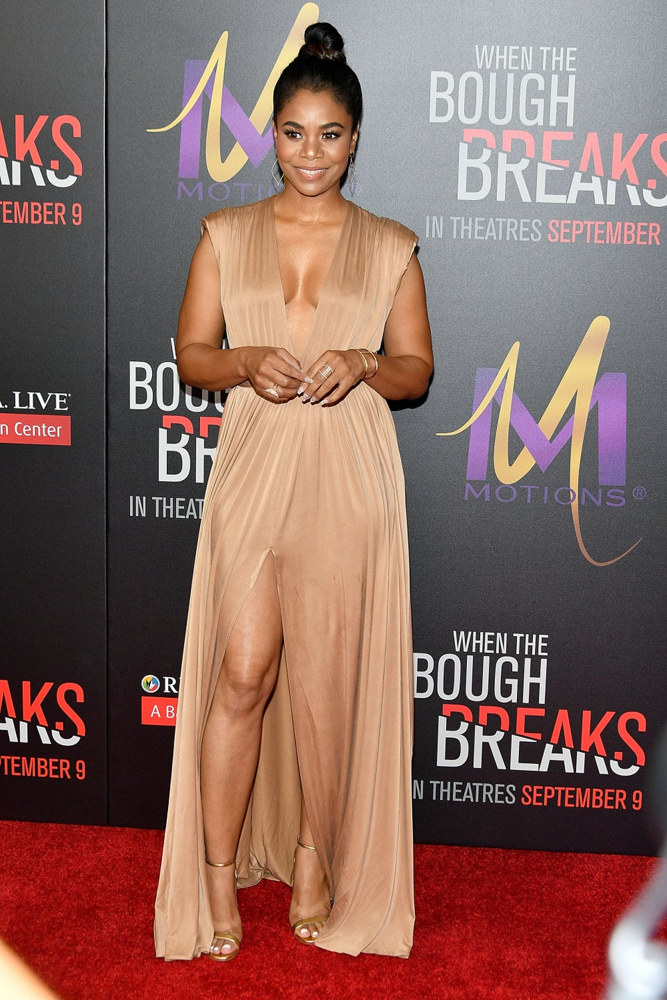 Look of the Day: Regina Hall is Giving us Grecian Goddess Vibes in Nude Flowing Dress