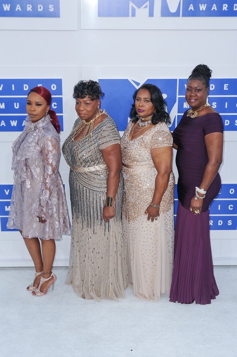 The Mothers Of The Movement Join Beyonce and Blue Ivy on the VMA Red Carpet
