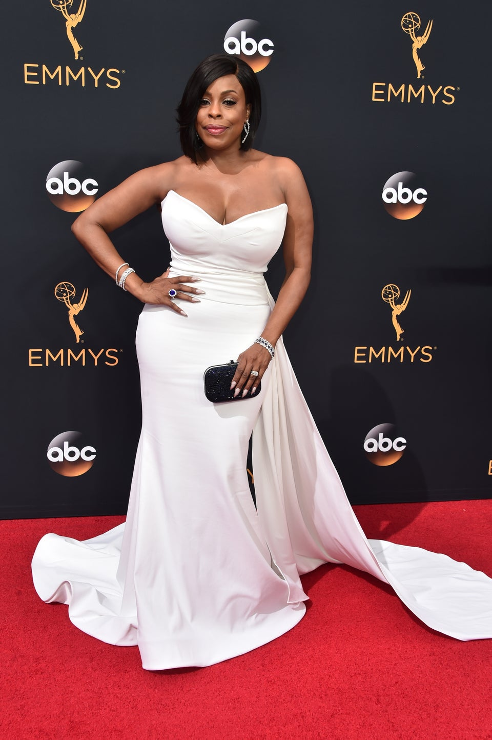 Niecy Nash Slays in a White Hot Gown At the Emmys