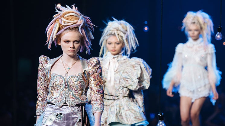 Following Backlash, Marc Jacobs Apologizes For His Dreadlock Comments