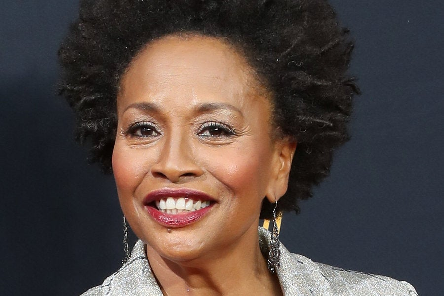 Jenifer Lewis Forgives E! Host Sibley Scoles In the Sweetest Way ...