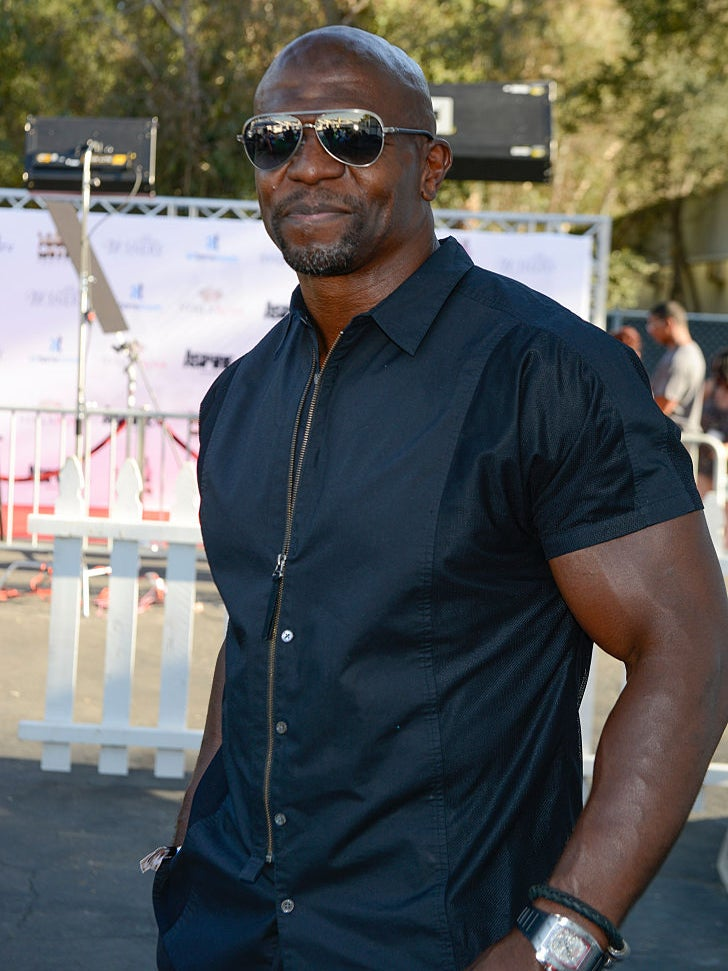 BRILLIANT: Terry Crews Hilariously Carries A Picture Of Terry Crews In His Wallet To Save Money
