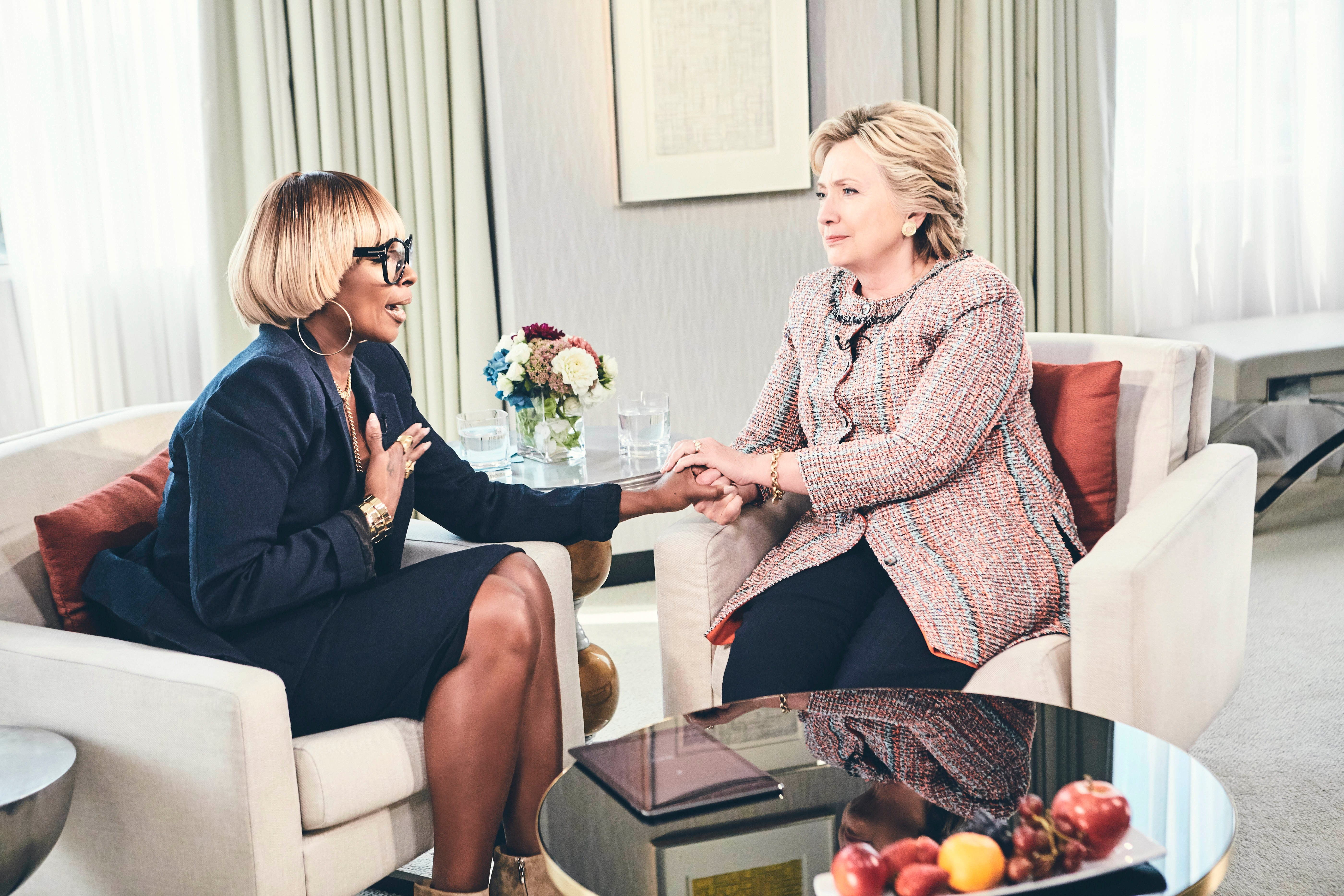 Here's The Real Story Behind That Video Of Mary J. Blige Singing To Hillary Clinton