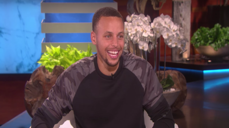 It's All In The Ears:Michelle Obama Teaches Steph Curry How ToRoast The President