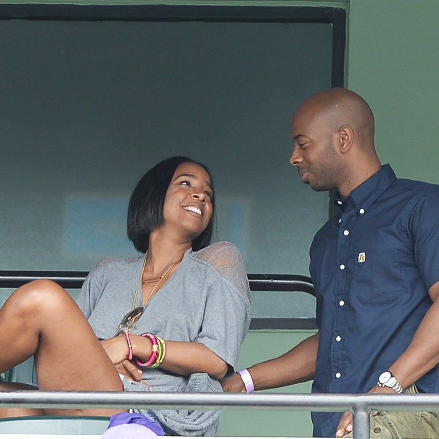 Yes Love! It's Kelly Rowland and Tim Weatherspoon's Wedding Anniversary