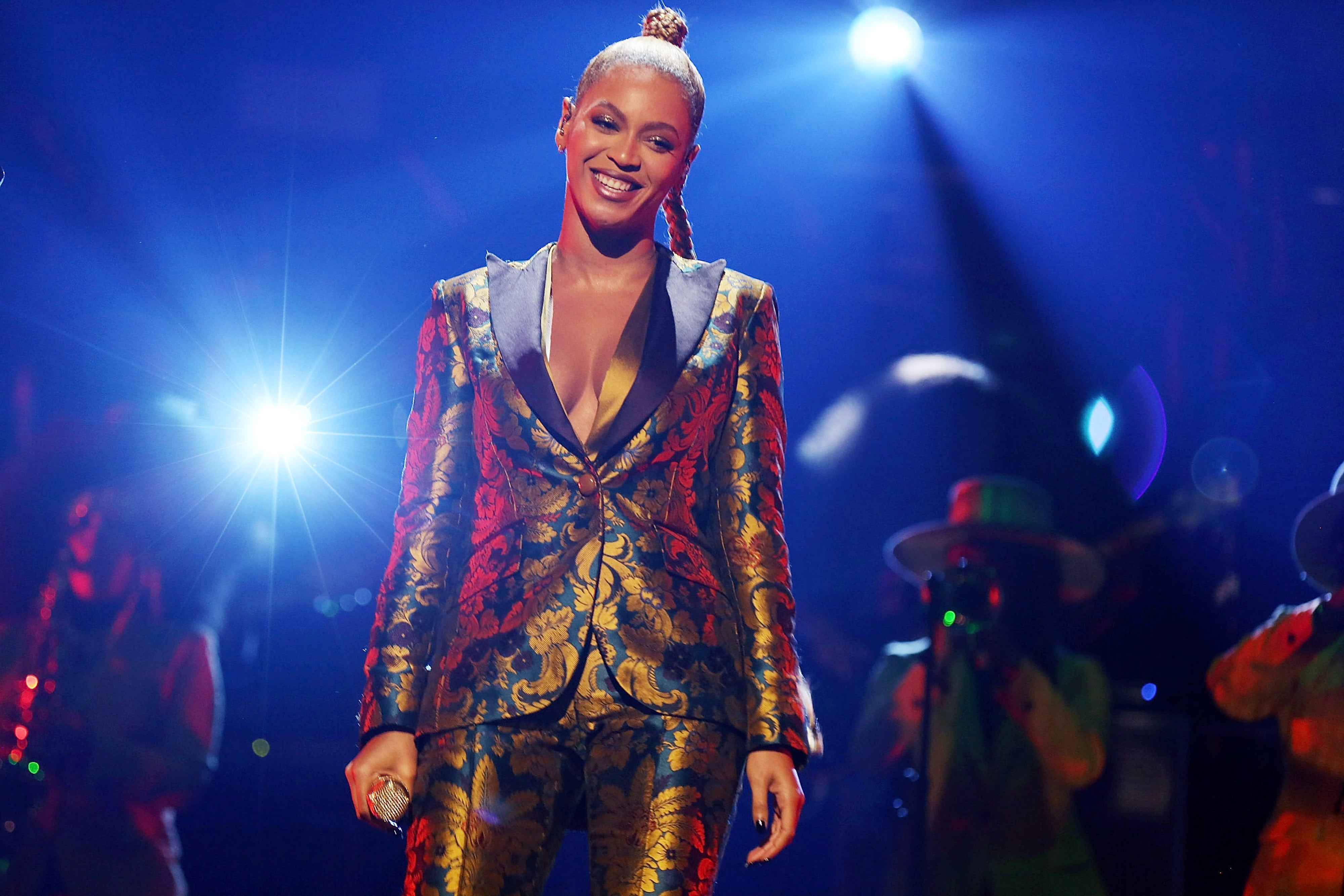Get In 'Formation': Beyonce Urges Fans To Get Out and Vote