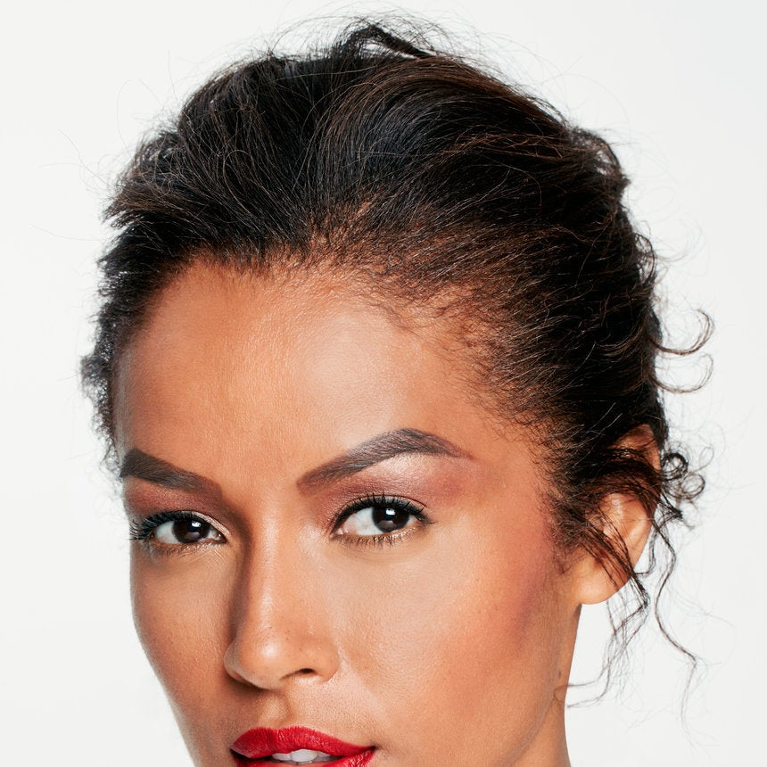 Learn How To Contour Your Eyes and Lips With Our Step by Step Guide