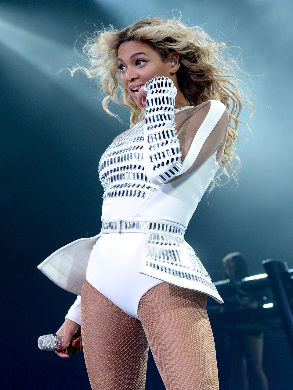 The Internet Reacts To News That Beyoncé Will Be Performing At The Country Music Awards