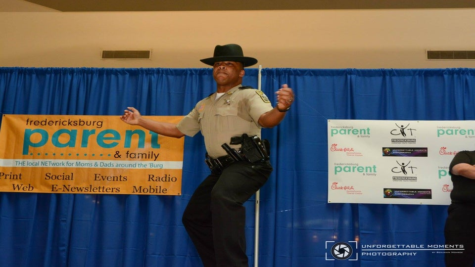 Watch This Police Officer Master Beyoncé's 'Formation' Choreography at a Pep Rally