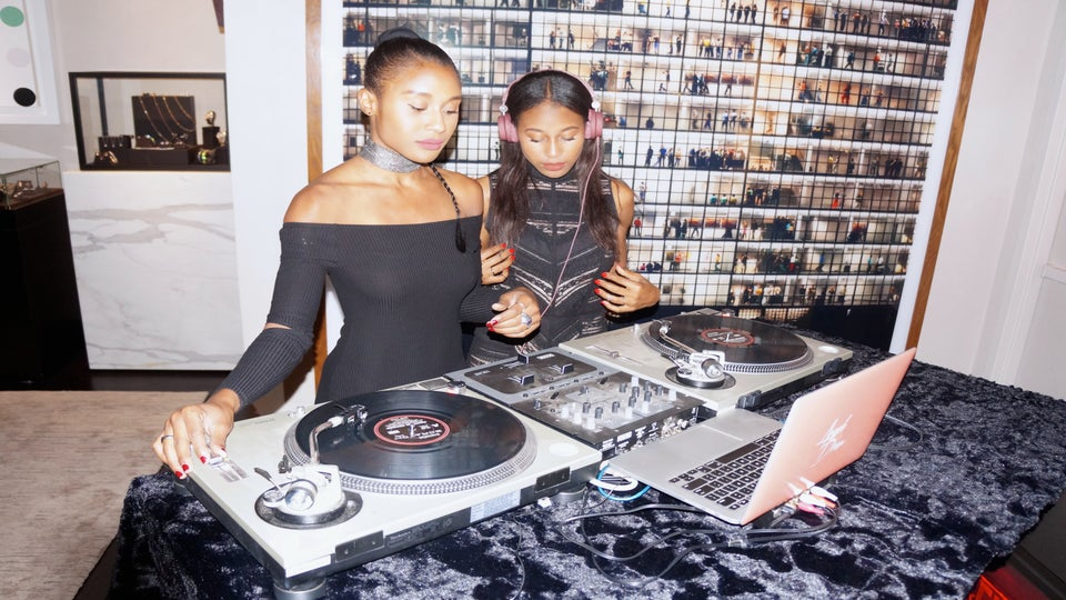 ESSENCE Network: How These Twin DJs Are Spinning Their Way To Success One Gig At A Time