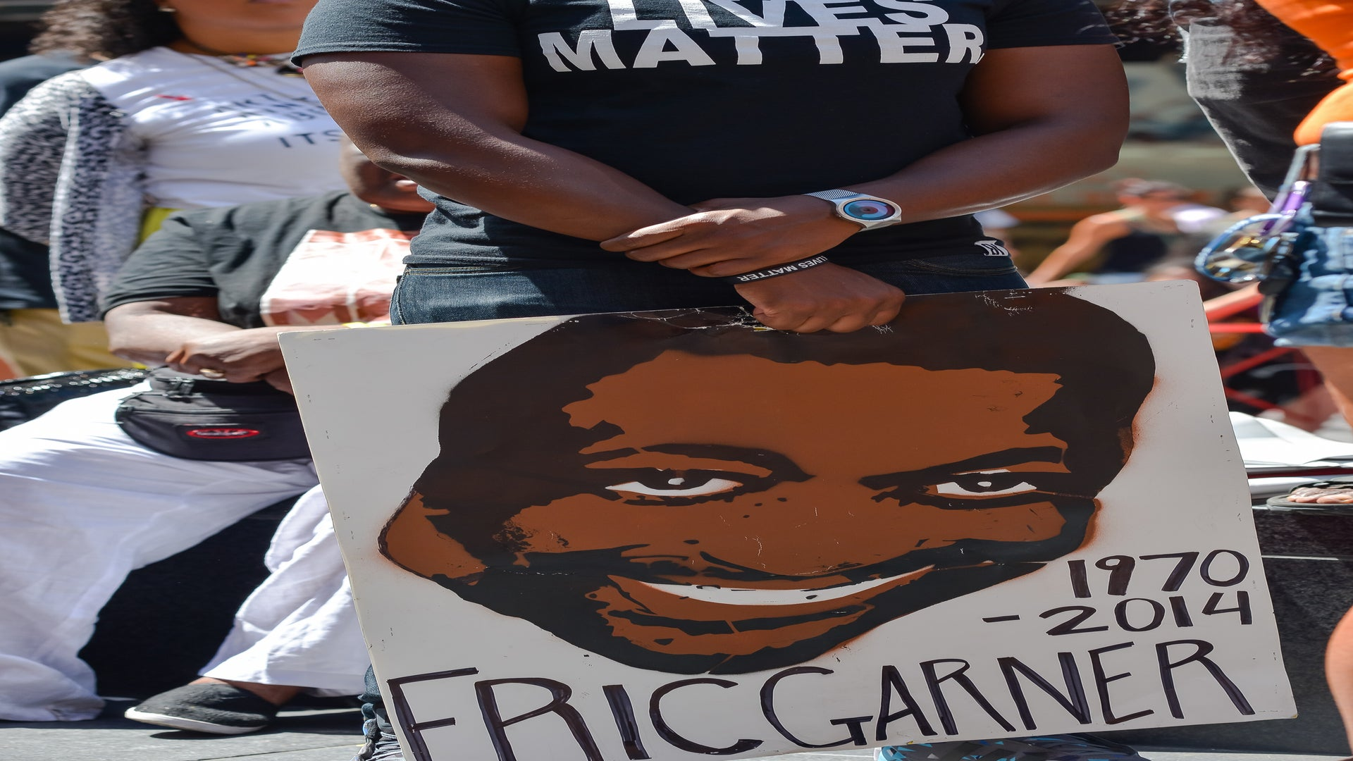 Justice Department May Pursue Charges Against NYPD Officer Who Killed Eric Garner