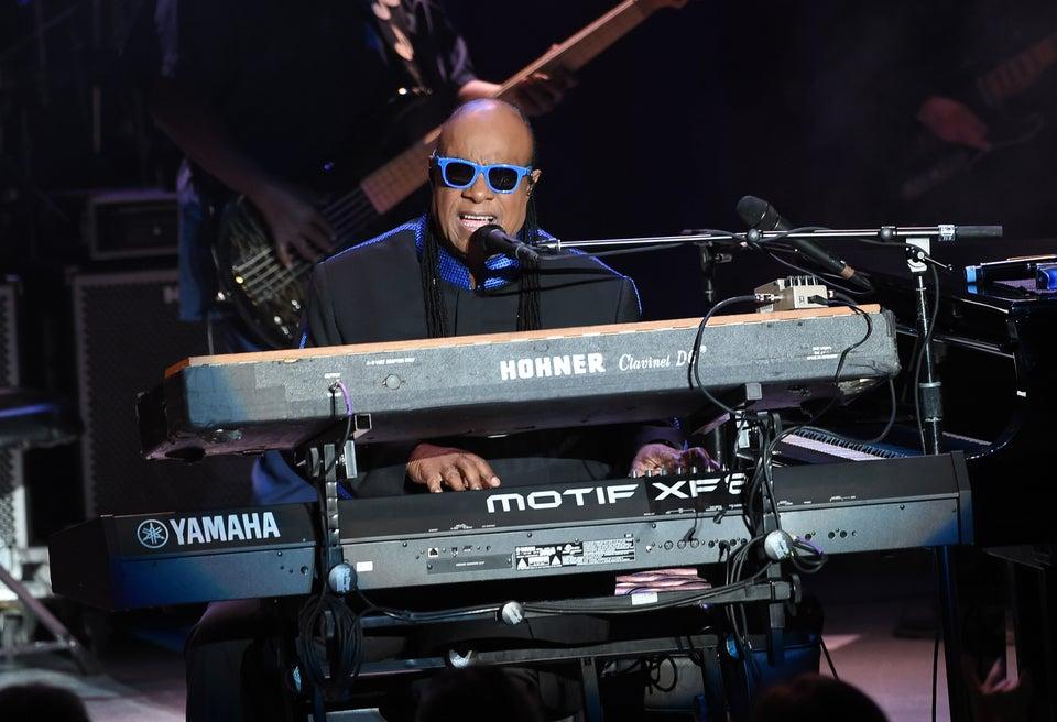 Hillary Clinton Just Got The Best Birthday Present Ever – A Stevie Wonder Serenade